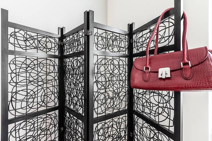 Cuartos de estilo  por Gabriella Sala   Home Staging & Relooking Specialist