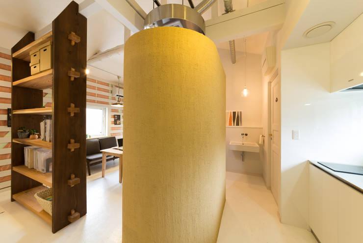 15坪の平屋のリフォーム: デザインプラネッツ一級建築士事務所が手掛けた浴室です。,