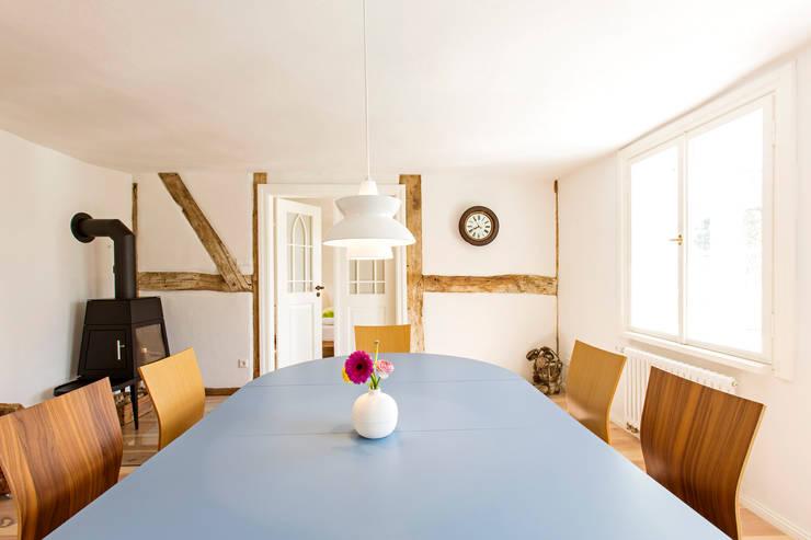 Projekty,  Jadalnia zaprojektowane przez Planungsgruppe Barthelmey