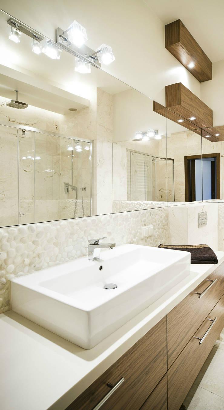 Łazienka : styl , w kategorii Łazienka zaprojektowany przez More Than Design
