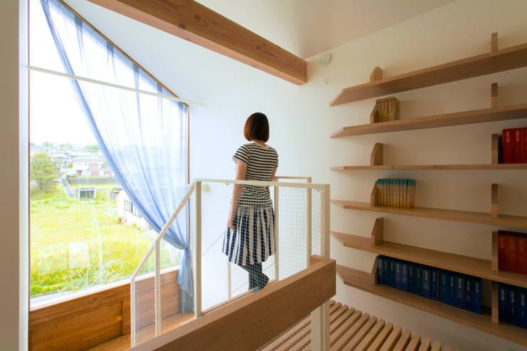 outtuck & outside: fabricscapeが手掛けた廊下 & 玄関です。
