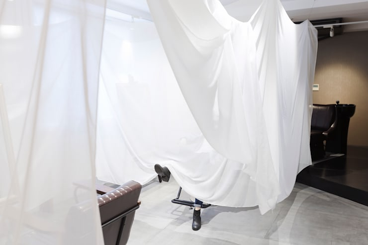 hung up stream liner オリジナルデザインの ドレッシングルーム の fabricscape オリジナル