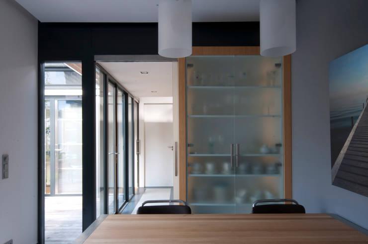 Cocinas de estilo  por JANICKI ARCHITECT