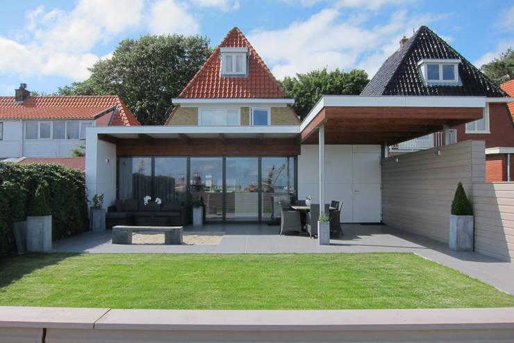 Uitbreiding woning Terschelling:  Eetkamer door Heldoorn Ruedisulj Architecten, Modern