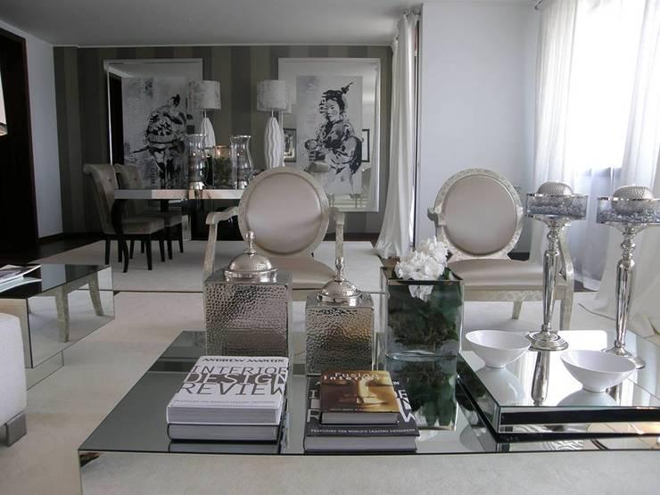 Sala de estar: Salas de estar  por 3L, Arquitectura e Remodelação de Interiores, Lda