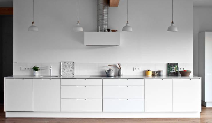 Projekty domów - House 27.1: styl , w kategorii Kuchnia zaprojektowany przez Majchrzak Pracownia Projektowa,