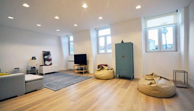 Estrela | AP : Salas de estar  por MARQA - Mello Arquitetos Associados