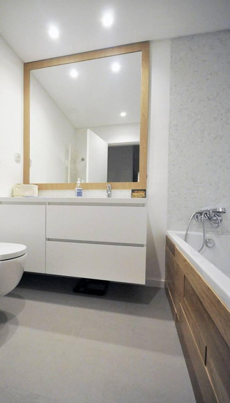Estrela | AP : Casas de banho  por MARQA - Mello Arquitetos Associados