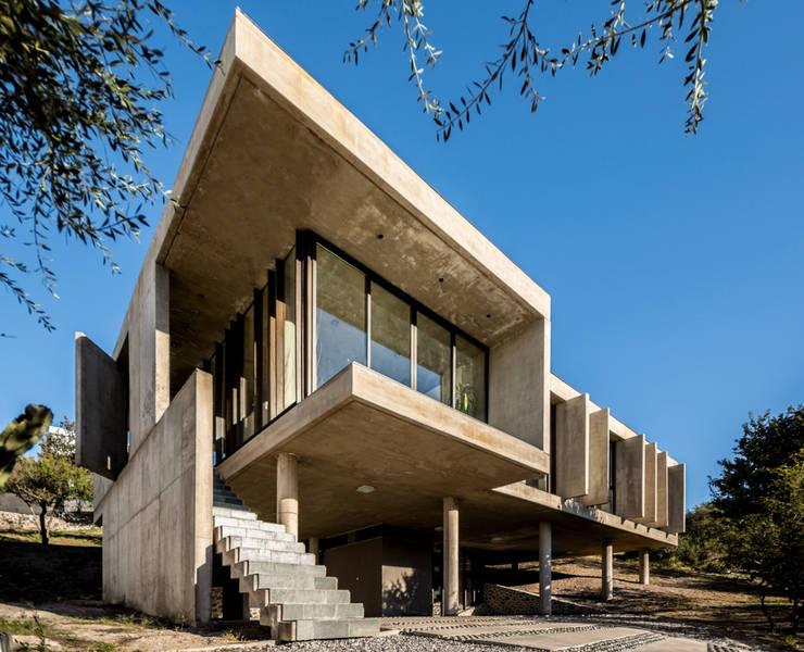 Casa La Rufina: Casas de estilo moderno por Arq. Santiago Viale Lescano