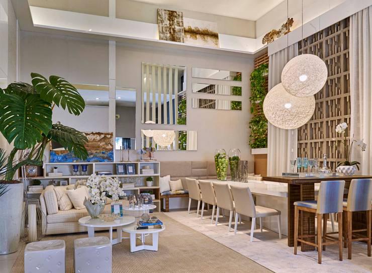 Decora Lider Vitória - Sala de Jantar e Lounge: Salas de jantar modernas por Lider Interiores