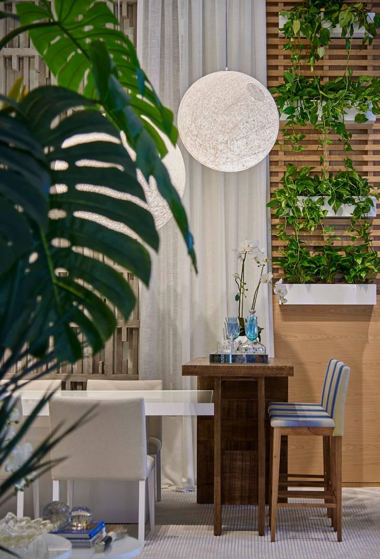 Decora Lider Vitória – Sala de Jantar e Lounge: Salas de jantar  por Lider Interiores,