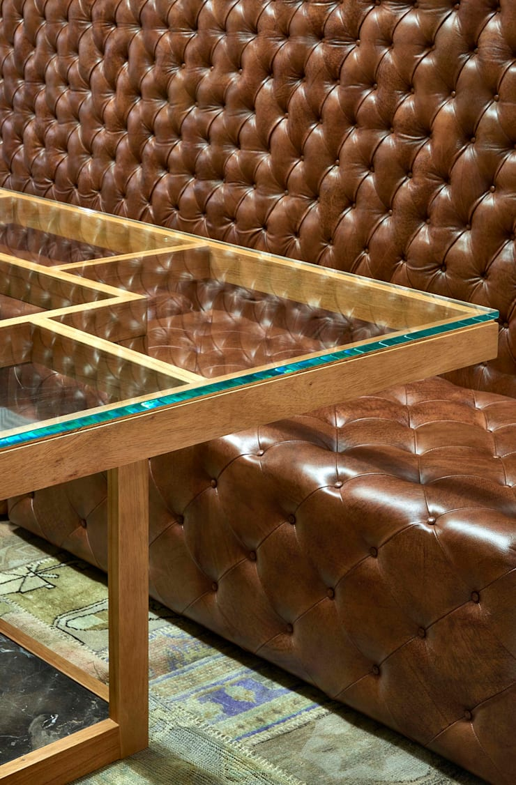Decora Líder Vitória – Sala Descolada: Salas de estar modernas por Lider Interiores