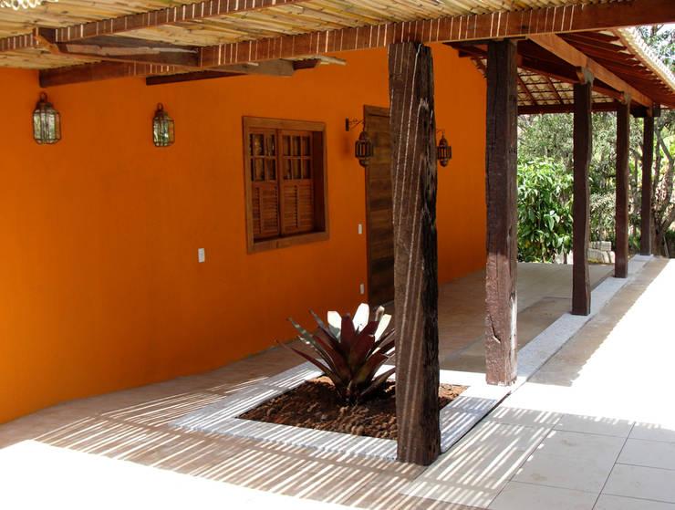 ระเบียง, นอกชาน by Jaqueline Vale Arquitetura