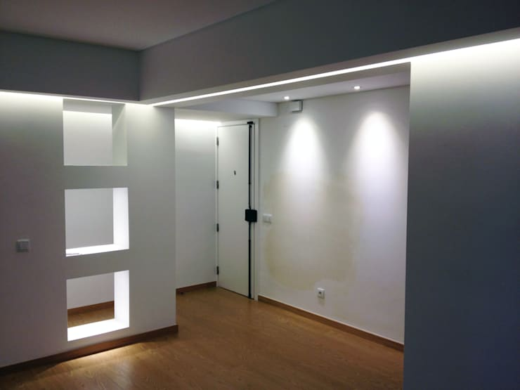 The project finished (from the living room to the entrance):   por Roberto Mulassano