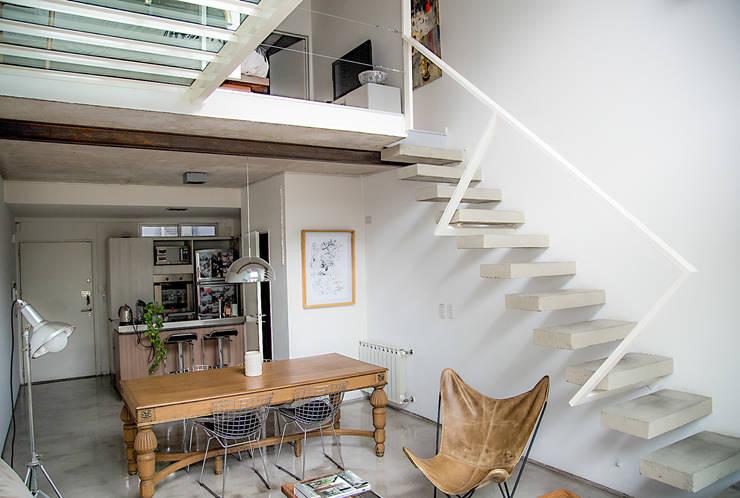 Comedor: Comedores de estilo escandinavo por MeMo arquitectas
