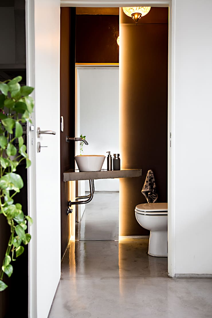 Toilette: Baños de estilo  por MeMo arquitectas,