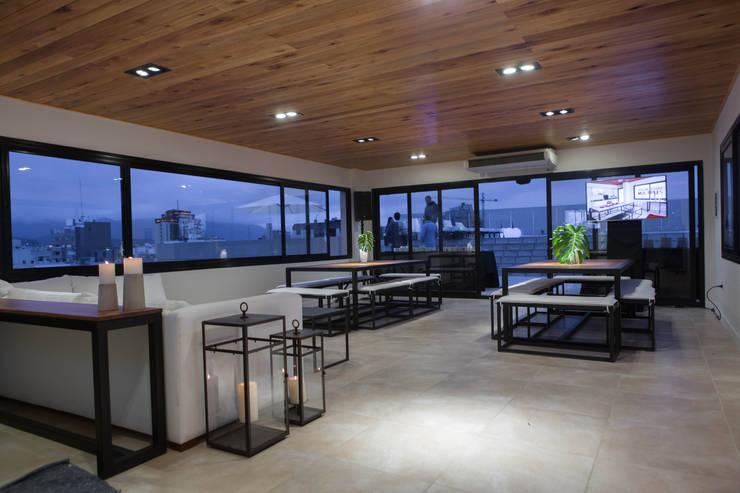 Decoración Salon de Eventos Edificio Leguizamon 979, en Salta: Comedores de estilo  por Proyecto Norte