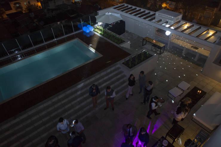 Terraza Edificio Leguizamon 979, en Salta: Terrazas de estilo  por Proyecto Norte