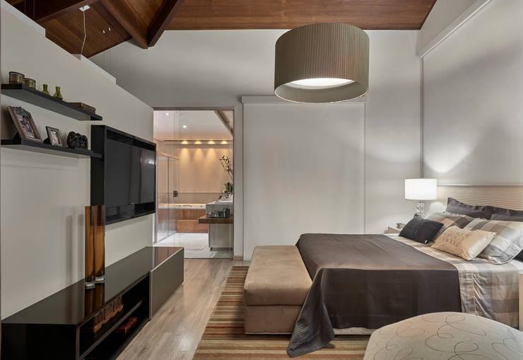 Bedroom by Isabela Canaan Arquitetos e Associados