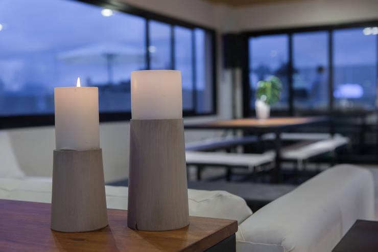 Salon de Eventos Edificio Leguizamon 979, en Salta: Livings de estilo  por Proyecto Norte