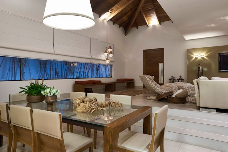 Dining room by Isabela Canaan Arquitetos e Associados