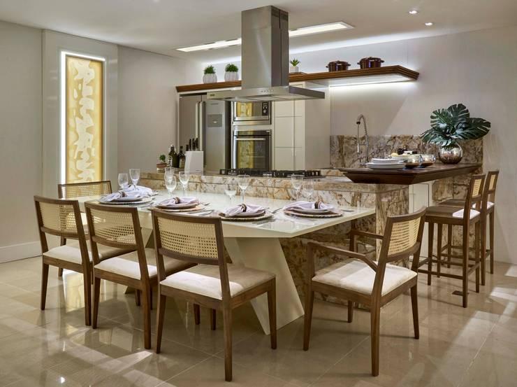 Decora Lider Vitória – Living e Cozinha : Salas de jantar modernas por Lider Interiores