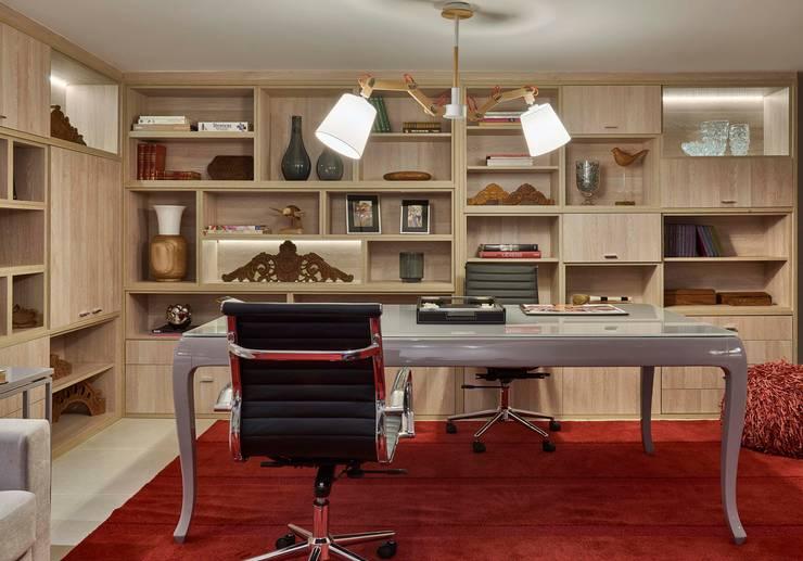 Decora Lider Vitória – Home Office do Casal: Escritórios  por Lider Interiores