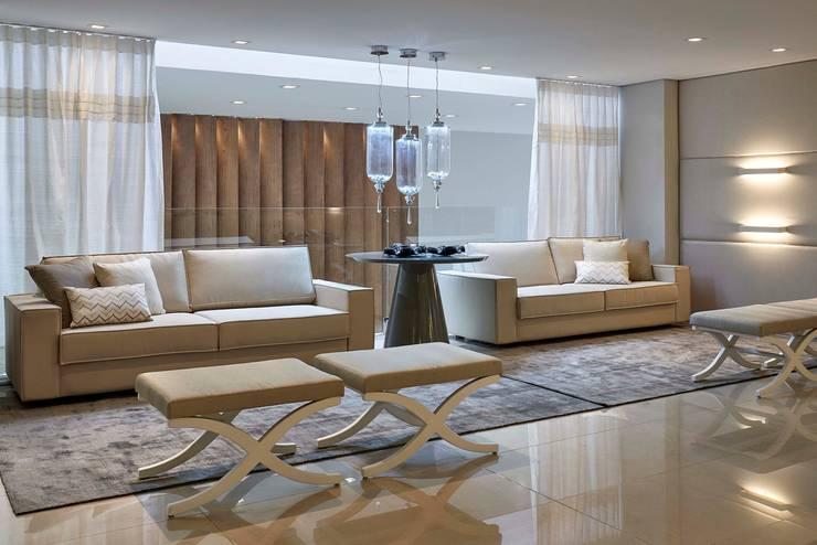 Decora Lider Vitória – Sala de Estar e Jantar Para o Casal Sofisticado : Salas de estar  por Lider Interiores