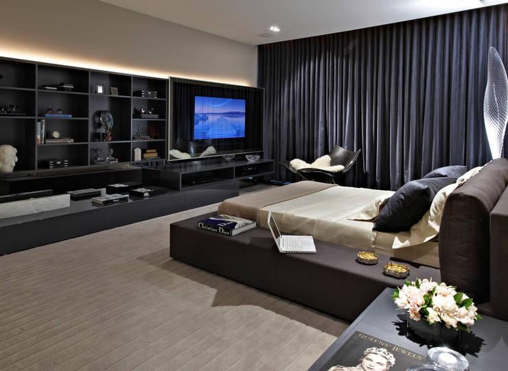 ห้องนอน โดย Bellini Arquitetura e Design,