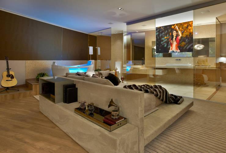 Casa Cor Minas - Loft Paula Fernandes: Quartos  por Bellini Arquitetura e Design
