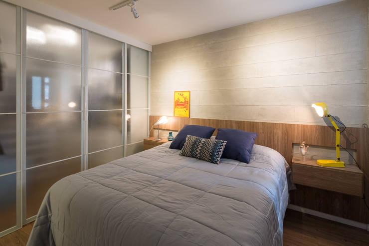 Apartamento Trama, Arquiteta Clarice Semerene: Quartos  por Joana França