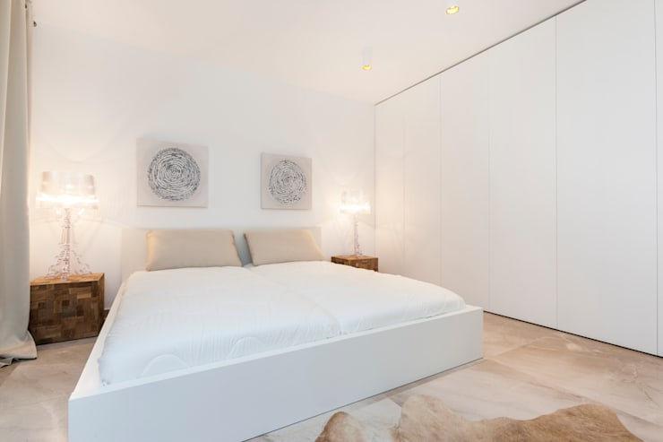 Bedroom by Construccions i Reformes Miquel Munar SL