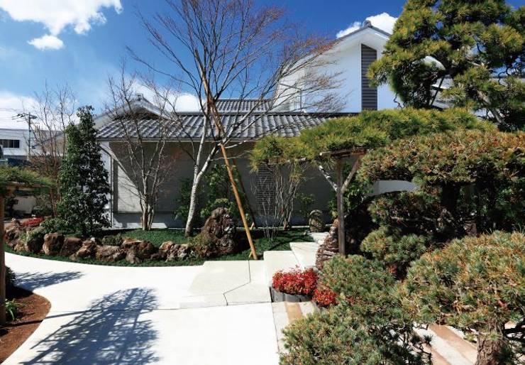 日蓮宗寺院城立寺の庫裏: 一級建築士事務所マルスプランニング合同会社が手掛けた美術館・博物館です。