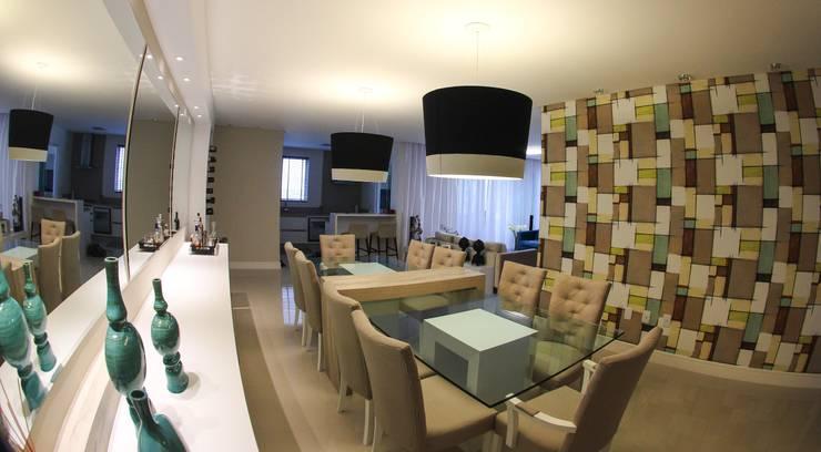 sala de jantar: Sala de estar  por Abittare Design- Arquitetura e interiores