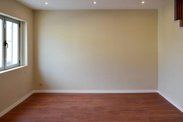 Sala de estar: Salas de estar  por FIlipa Figueira Arquitectura