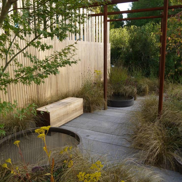 Garden by Tom de Witte - ontwerpers van de buitenruimte, Modern