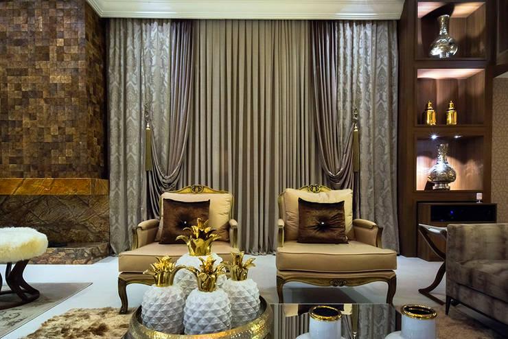 Living room by Spengler Decor,