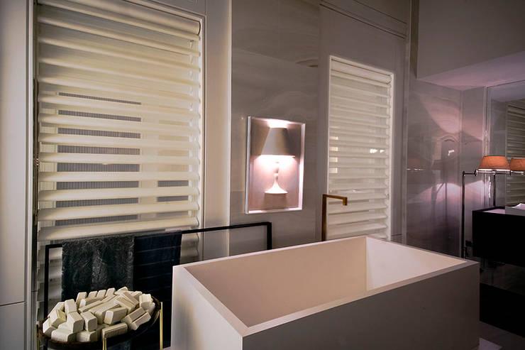 Penthouse Concept Loft- Ambiente CASA COR C 2015: Banheiros  por Spengler Decor,
