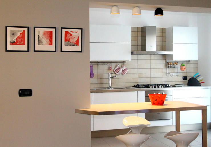 Cocinas de estilo moderno por marco olivo