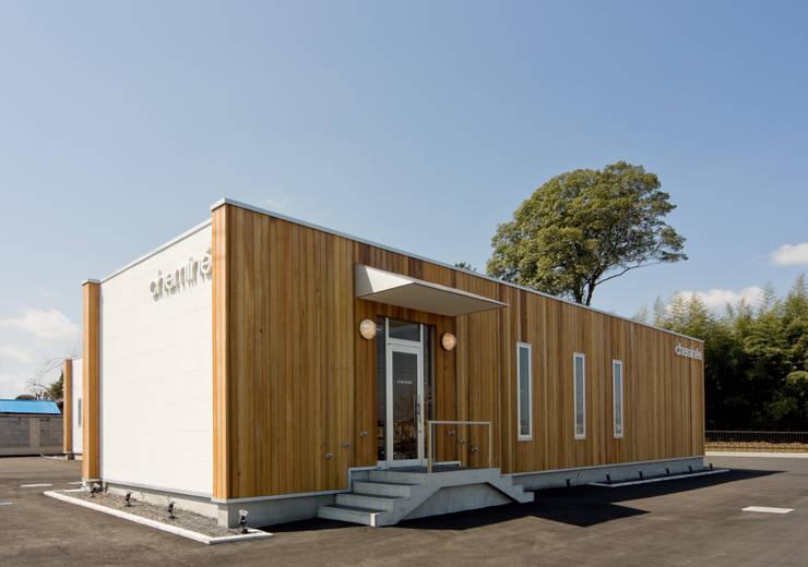 齋藤邸: 株式会社深田建築デザイン研究所が手掛けた家です。