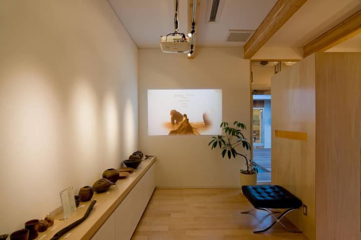齋藤邸: 株式会社深田建築デザイン研究所が手掛けた和室です。