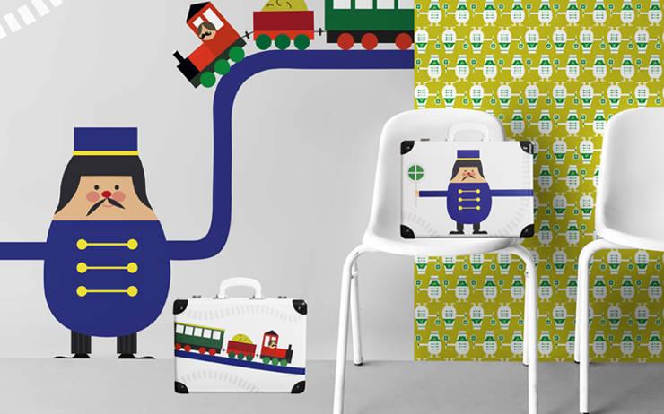 Reisekoffer/Kinderkoffer Trains: modern  von Designstudio DecorPlay,Modern