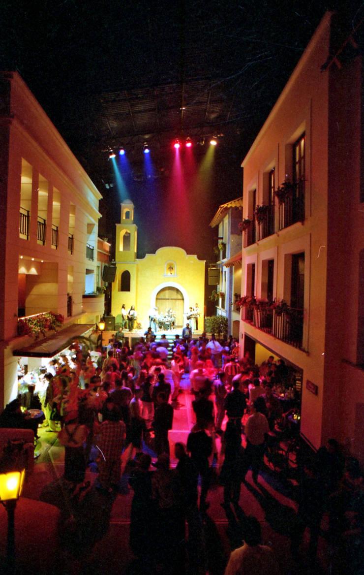 Baribaldi : Bares y discotecas de estilo  por Boué Arquitectos