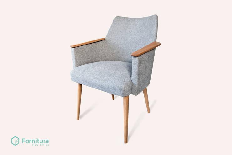 Nordyk - scandinavian armchair: styl , w kategorii Salon zaprojektowany przez Fornitura
