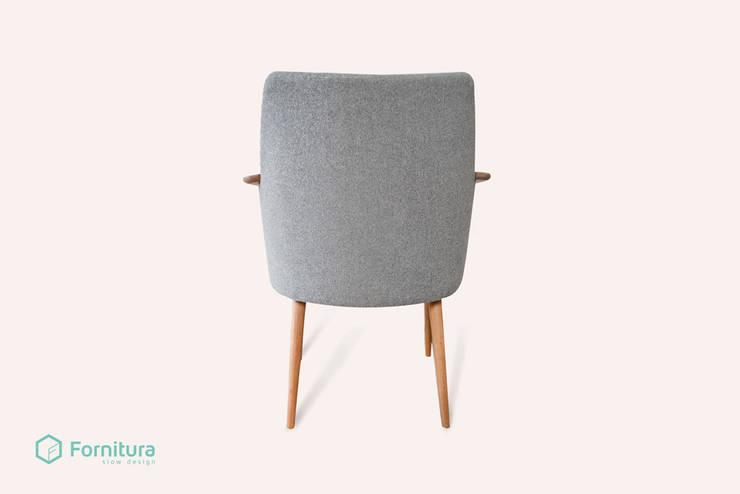 Nordyk - scandinavian armchair: styl , w kategorii Salon zaprojektowany przez Fornitura,
