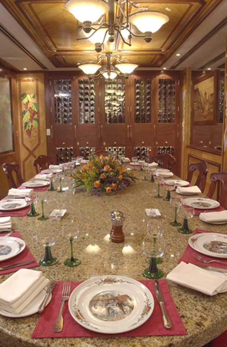L´Alsace Gastronomía de estilo clásico de Boué Arquitectos Clásico