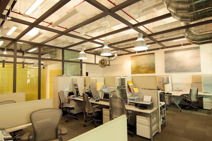 Grupo Da Vinci : Edificios de Oficinas de estilo  por Boué Arquitectos