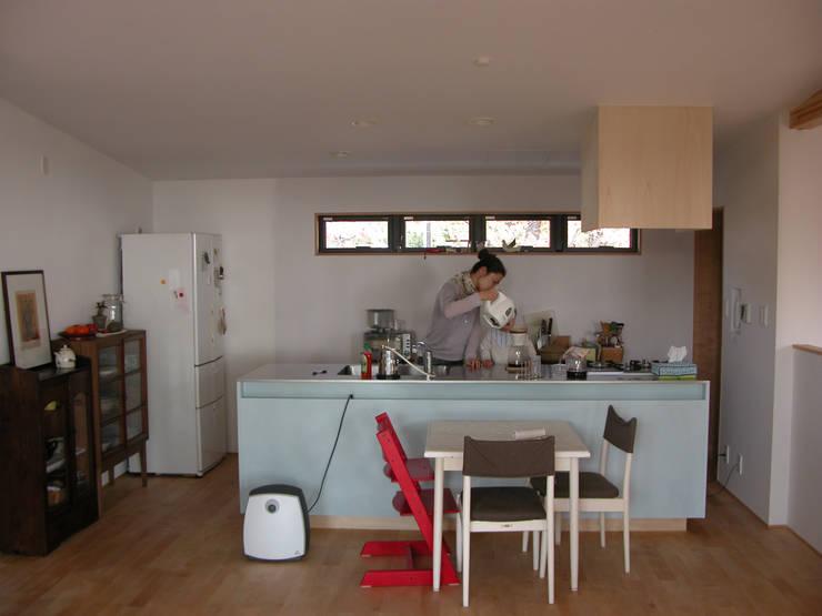 竣工後キッチン: 士が手掛けたキッチンです。,モダン