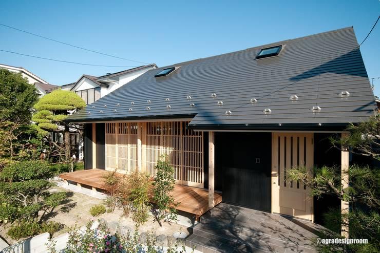 小さく、静かに住む  Vivir pequeño y tranquilo en la casa japonesa.: アグラ設計室一級建築士事務所 agra design roomが手掛けたバルコニー&ベランダ&テラスです。