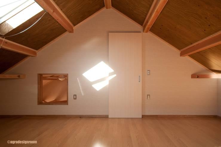 アグラ設計室一級建築士事務所 agra design room:  tarz Multimedya Odası